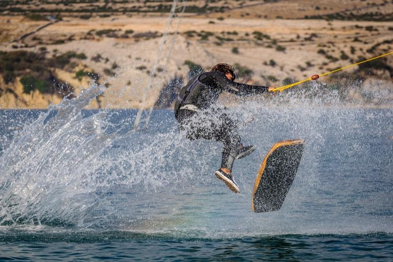 wake skating - water sports