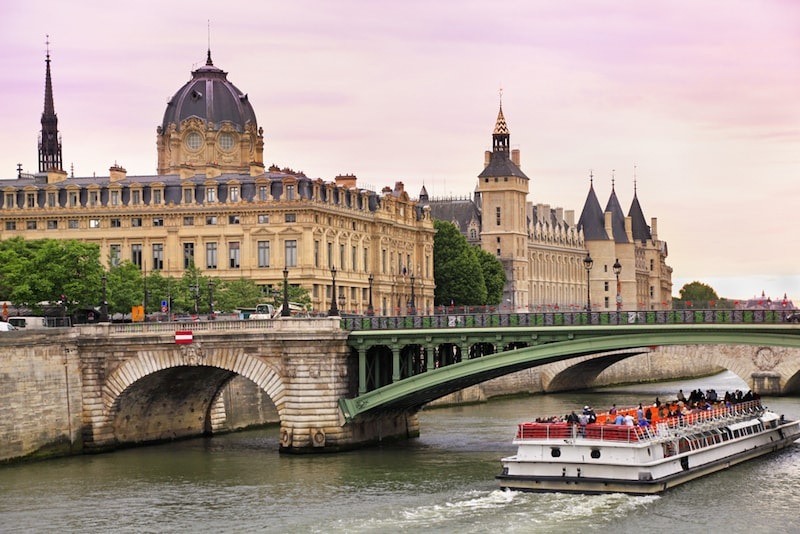 Sightseeing Fly Boat - Sehenswürdigkeiten in Paris