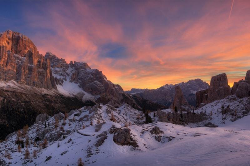 Coucher de soleil sur les Dolomites - 14 Treks Sensationnels dont vous n'avez Sûrement Jamais Entendu Parler