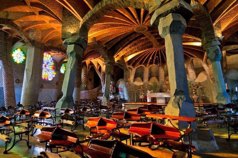 Gaudi Krypta, Barcelona