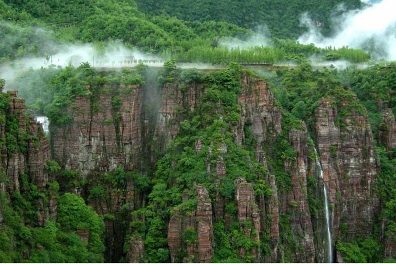 Guoliang Tunnel Road - 14 Road Trips da non Perdere