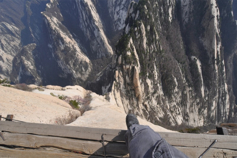 Plank on the Mount Huashan - Hiking Trails