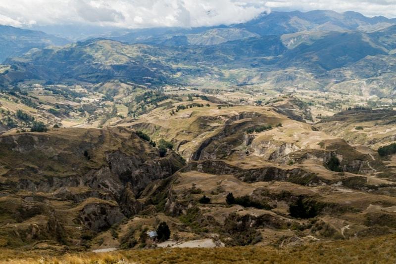 Vallée Quilotoa Loop - 14 Treks Sensationnels dont vous n'avez Sûrement Jamais Entendu Parler