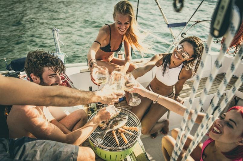 Festa de barco - Coisas para fazer em Barcelona