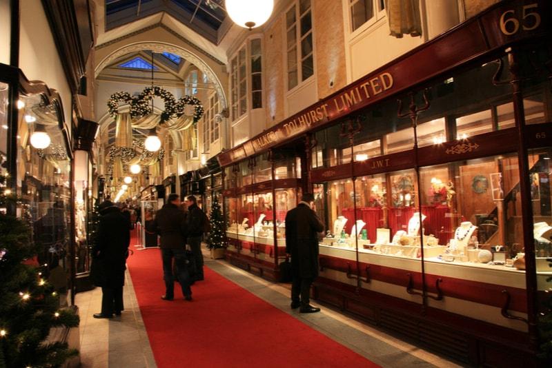 Burlington arcade - 18 Choses Originales à Faire à Londres en 2019