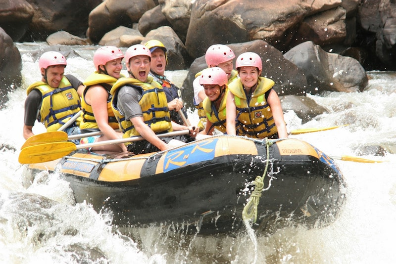 Rafting Tully River - Fun things to do in Australia