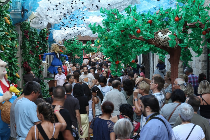 La fiesta de Gracia - Things to do in Barcelona