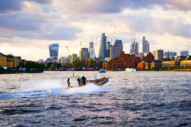 speedboat ride in London