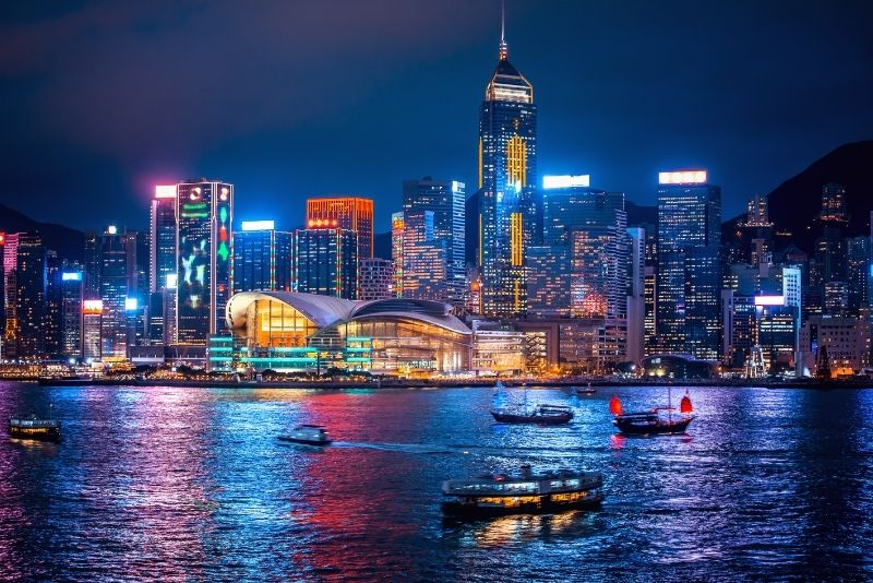 boat tours and cruises in Hong Kong