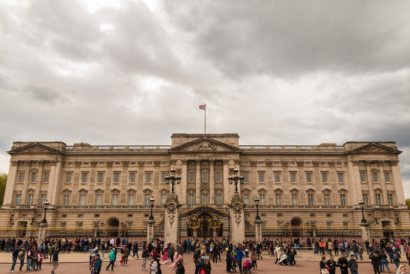 Buckingham Palace in London - Bucket List ideas