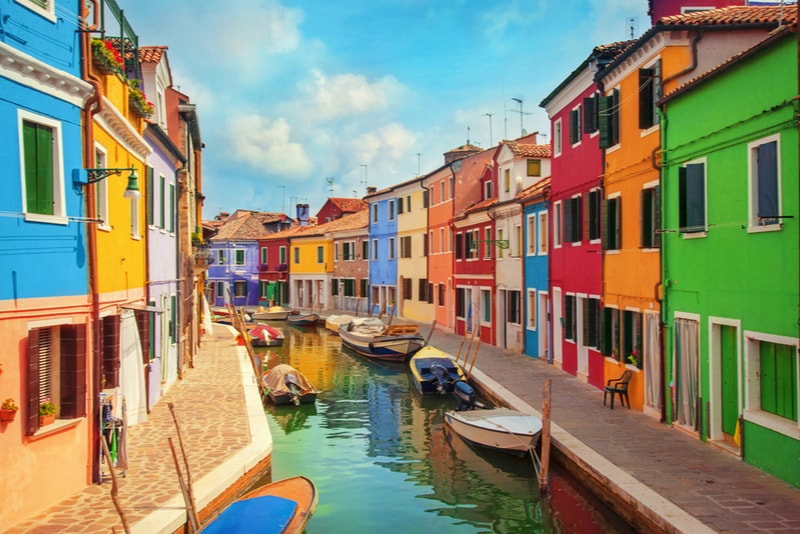 Island of Burano - places to visit in Italy