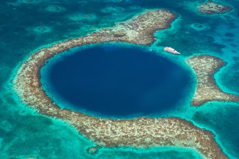 Great Blue Hole in Belize - Bucket List ideas