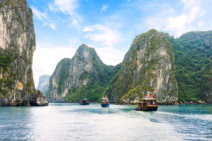 Halong Bay - The Ultimate Travel Bucket List – 100 Best Things to Do