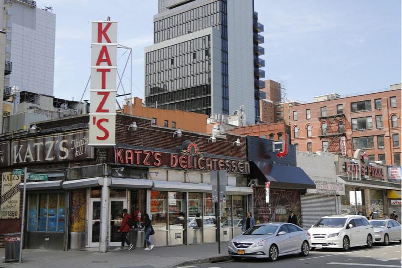 La gastronomia Katz Delicatessen - Cose da fare a New York