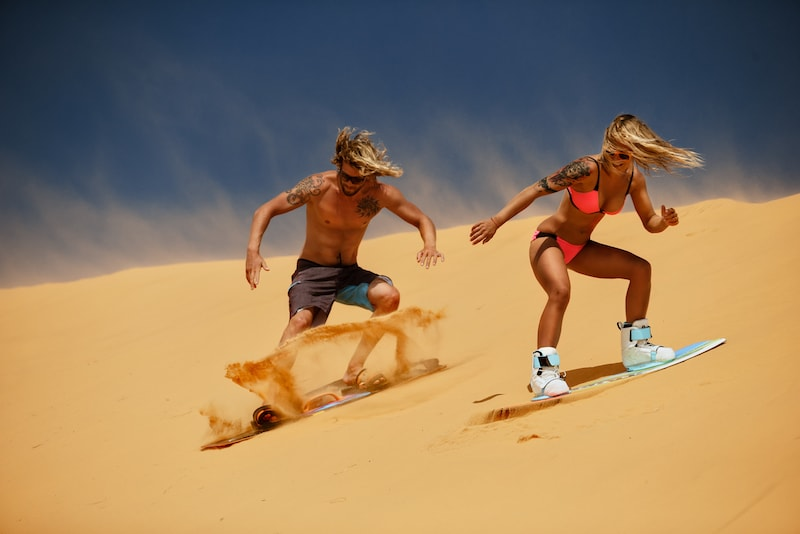 le sandboarding sur dunes - Que faire en Australie