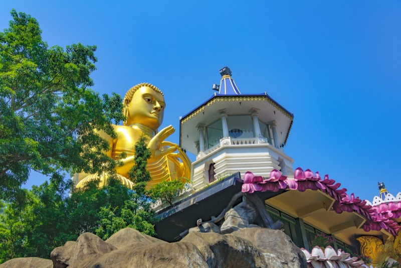 Dambulla Golden Temple - Places to Visit in Sri Lanka