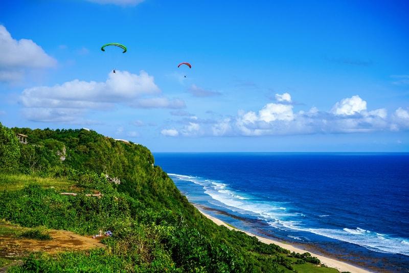 Parapente - Diversão para se fazer em Bali