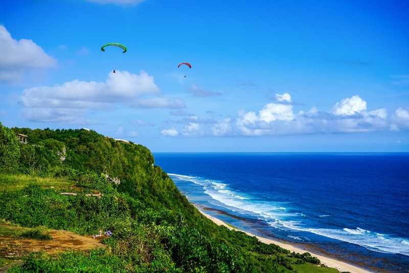 Paragliding - Fun things to do in Bali