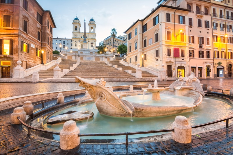 Piazza di Spagna - places to visit in Rome