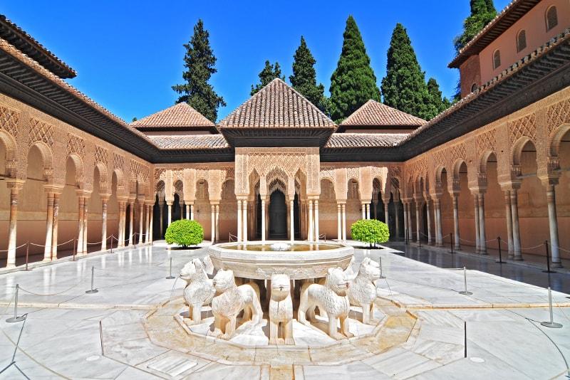 Patio de Los Leones - Unusual Things to do in Granada