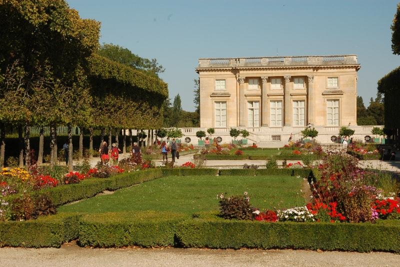 Tenuta dei biglietti di Trianon Versailles