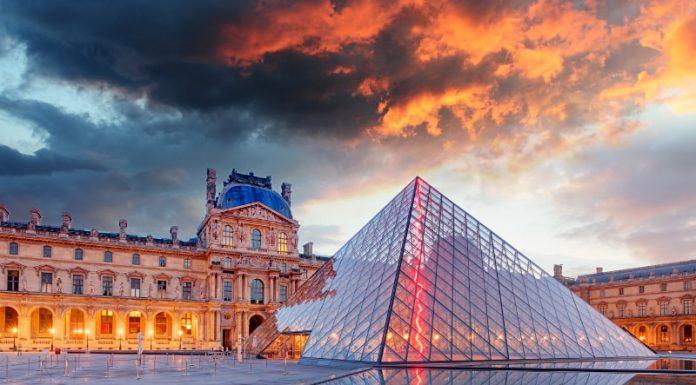 Billets coupe file musée du Louvre