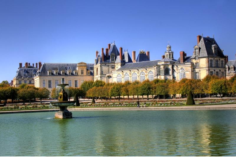 Chateau de Fontainebleau daytrips from Paris