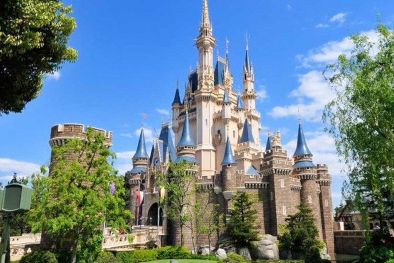 Disneyland day trips from Tokyo