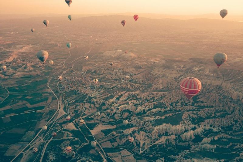 Por do sol do balão de ar quente de Cappadocia - Preço balão de ar quente Capadócia