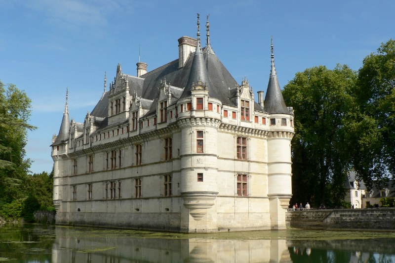 Château d'Azay-le-Rideau Loire Valley castles tours from Paris