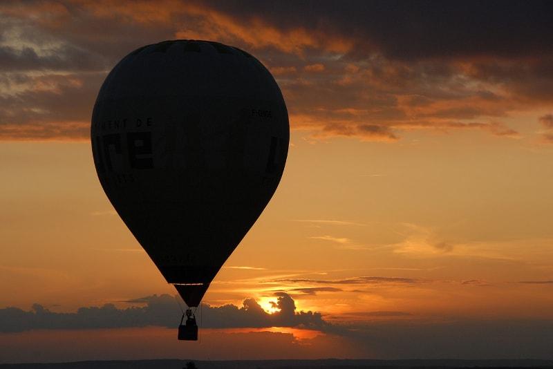 Balão de ar quente no deserto de Dubai - safaris deserto dubai