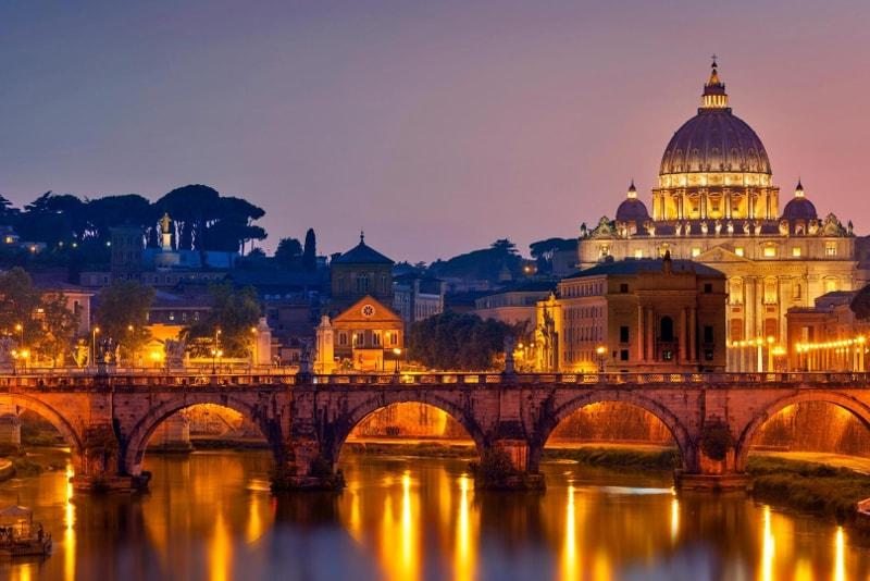 Cruzeiro no rio em Roma