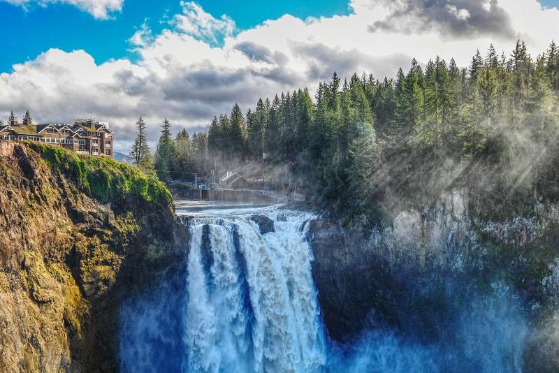 Snoqualmie Falls Hotels