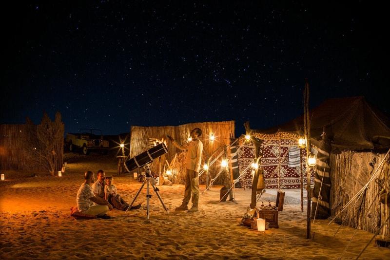 Experiencia de observación de estrellas en el desierto de Dubai