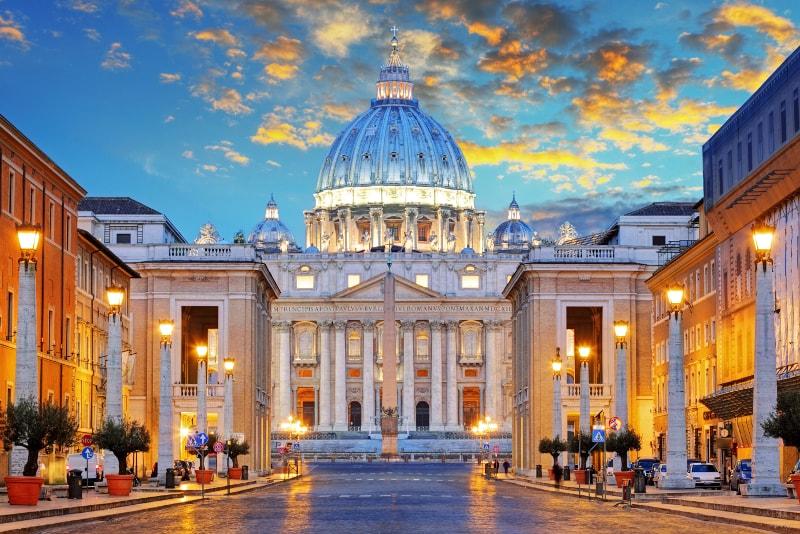 Vaticano a noite