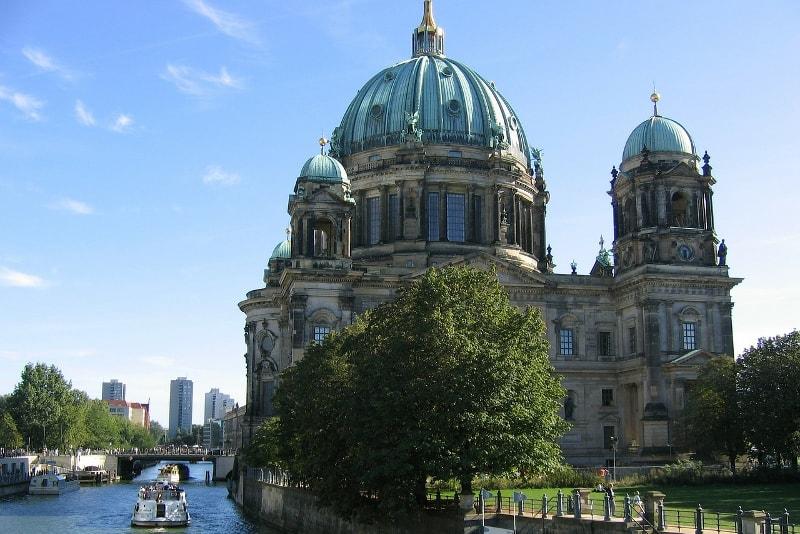 Berlin tour en bateau - Berlin Tours – 13 Visites Incontournables