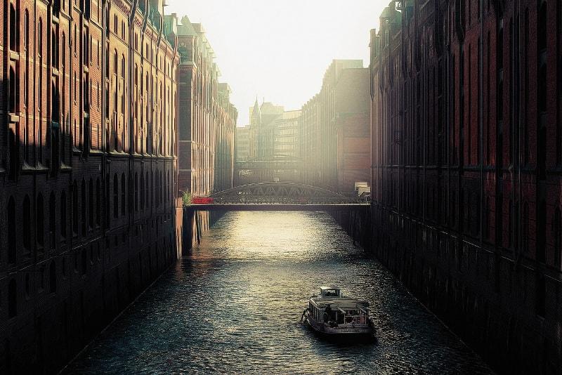Boat ride Hamburg tours - places to visit