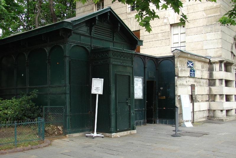Katakomben Paris Eingang