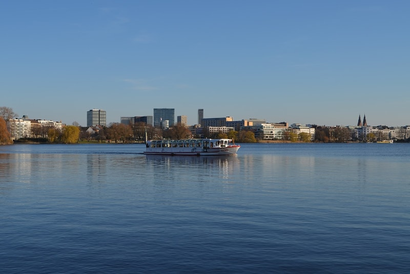 Lake Alster Hamburg tours - places to visit