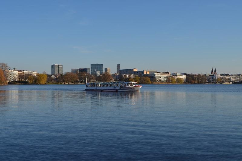 Lake Alster Hamburg tours - places to visit