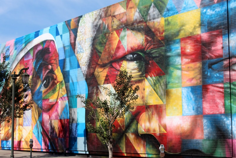 Street art guided tours