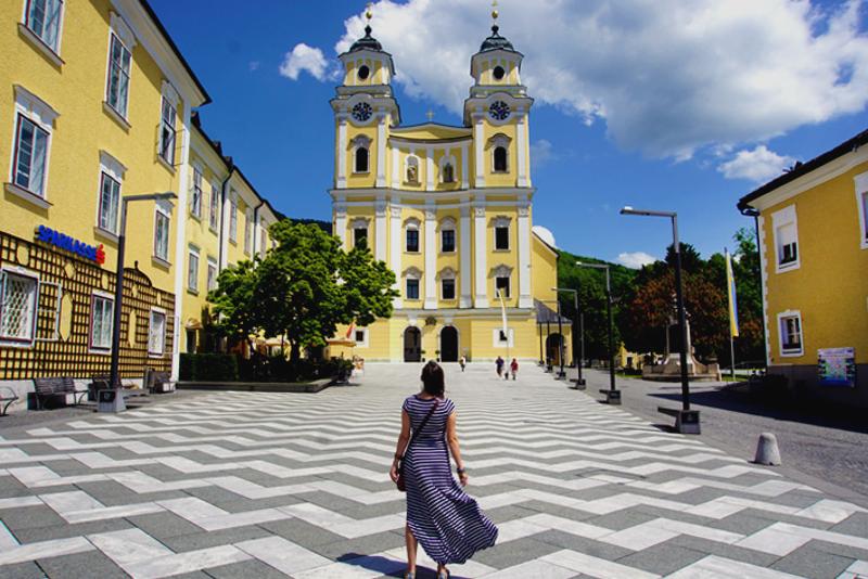 Mondsee Wedding Church - Sound of Music Tour in Salzburg