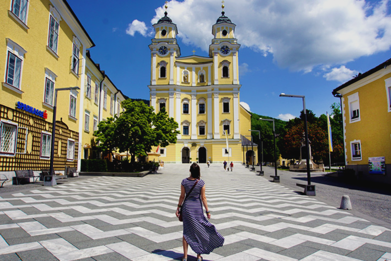 Mondsee Wedding Church - Sound of Music Tour in Salzburg