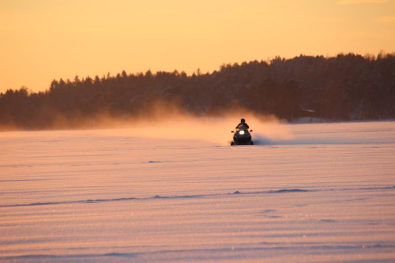 Motoneige  - Excursions Pour Voir les Aurores Boréales en Islande