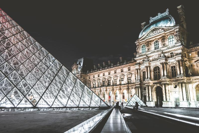 Pavilhão do relógio no Louvre