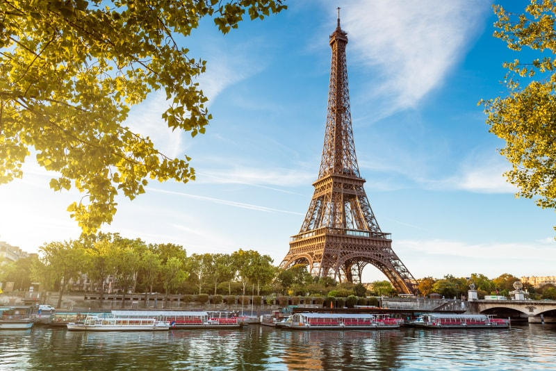 Torre Eiffel vista dalla Senna