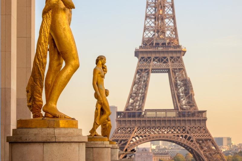 Eiffel tower private tours in Paris