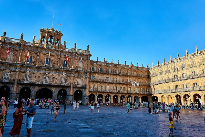 Plaza Mayor Salamanca - Day Trips from Madrid