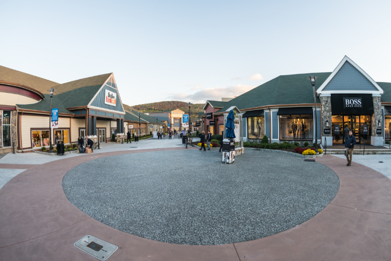Woodbury common premium outlets day trips from New York City