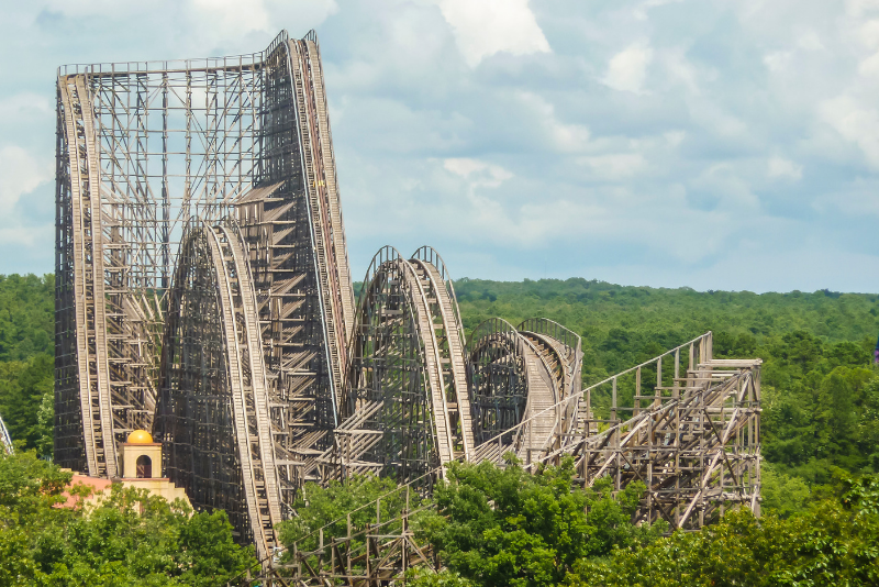 Six Flags Great Adventure theme park day trips from New York City
